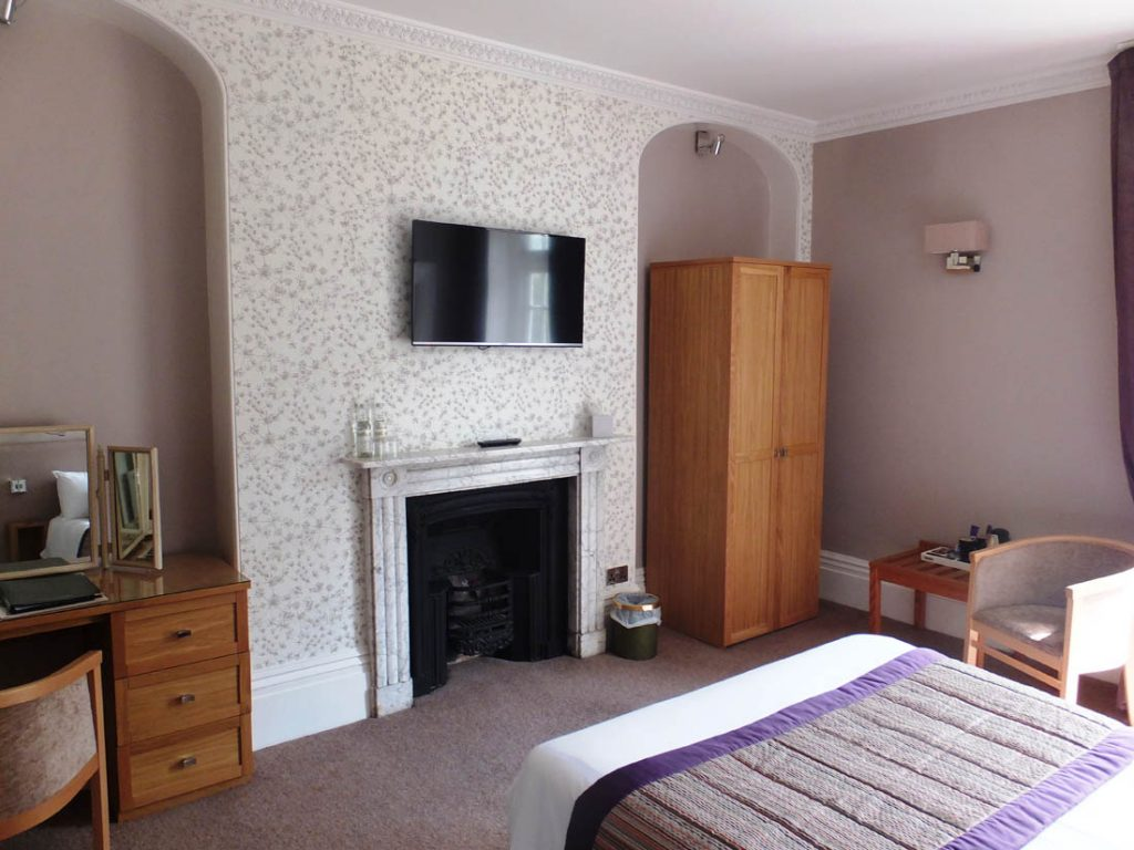 Our rooms are all individually decorated and reflect the charm of the Georgian building. Chiseldon House Hotel, Swindon, Wilts SN4 0NE